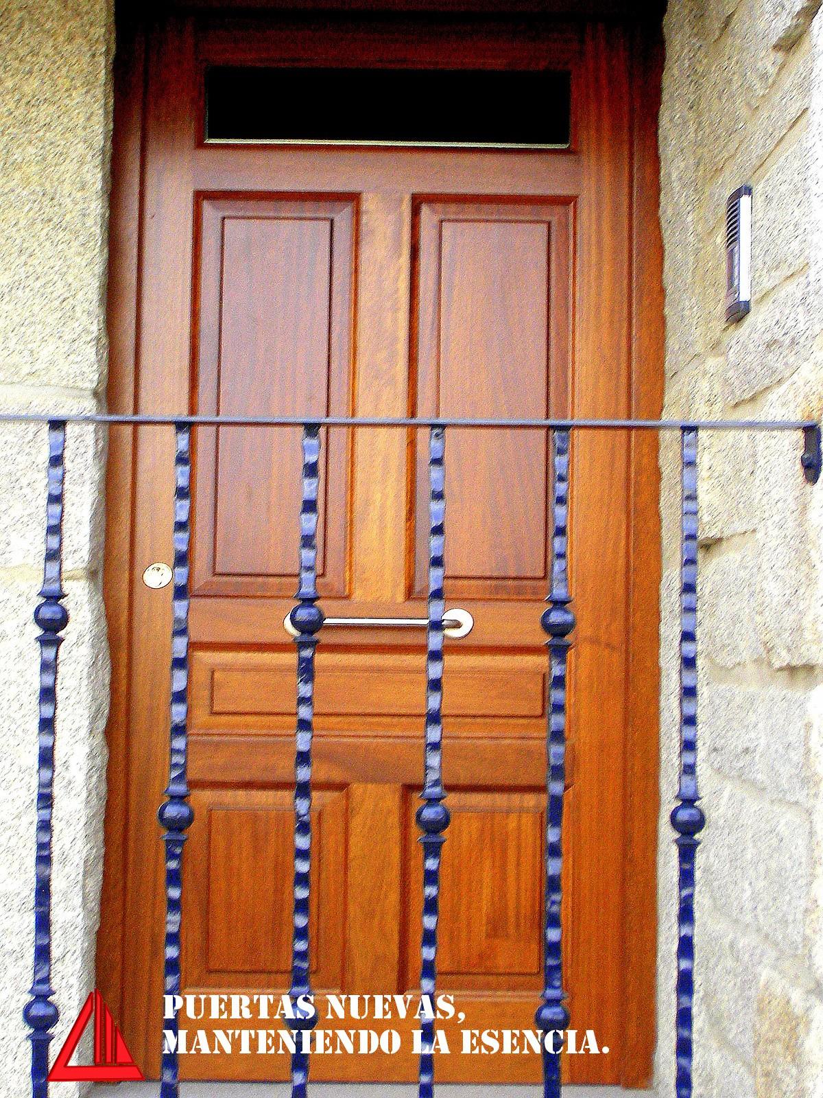 puertas de exterior con vidriera - CARPINTERÍA MENA