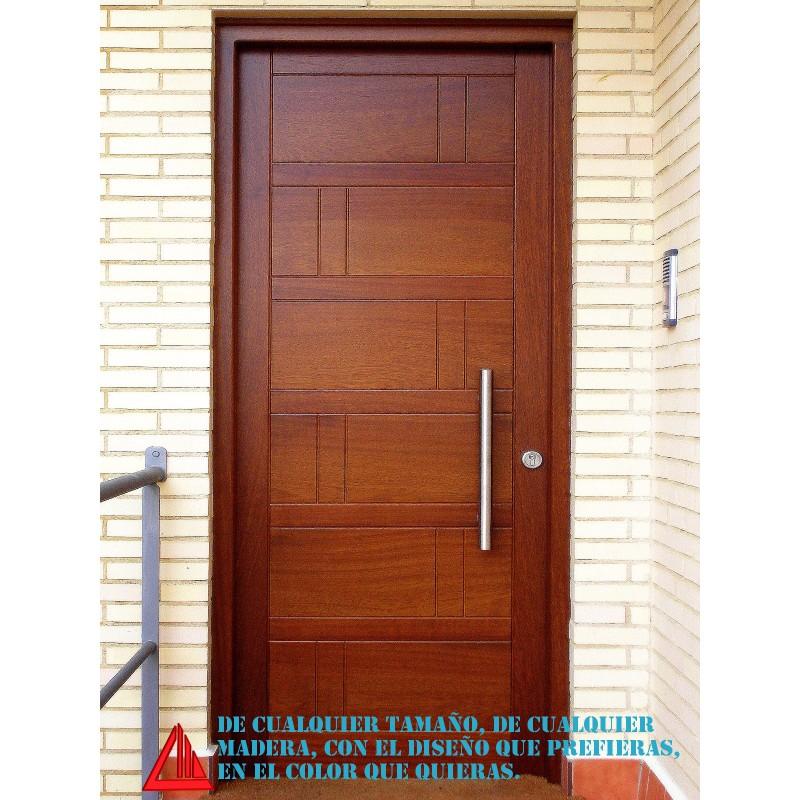 Puerta de exterior maciza de iroko barnizada en color for Puertas macizas exterior