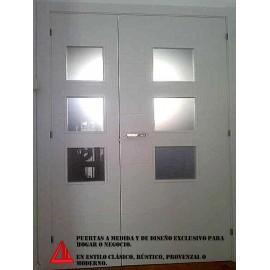 Puerta de interior lacada en blanco.