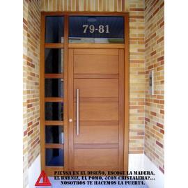 Puerta de exterior de iroko/ nogal claro