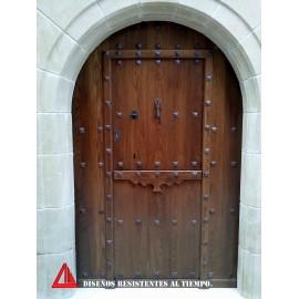 Puerta de exterior partida de roble color nogal oscuro