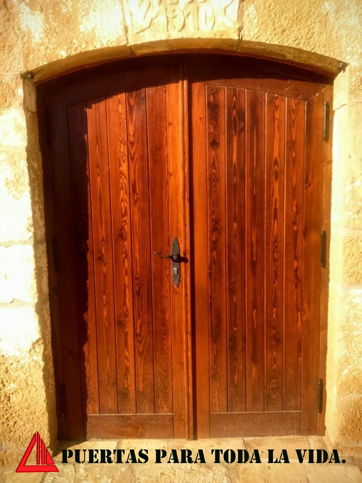 Puertas de dos hojas para exterior - Puertas color pino ...
