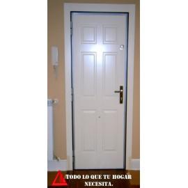 Puerta acorazada color blanco
