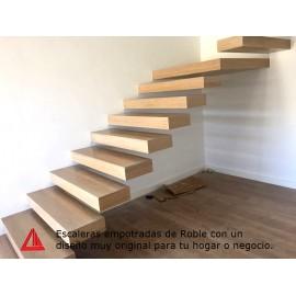 Escaleras empotradas de roble