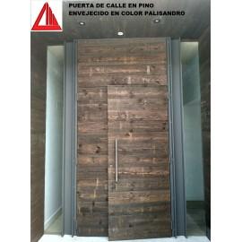 PUERTA DE CALLE DE PINO ENVEJECIDO